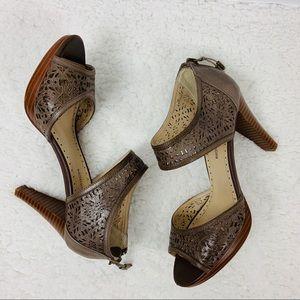 Adrienne Vittadini Gracie Leather Sandals Size 7.5